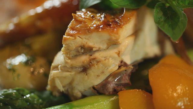 Parázson sült csirke (Lajosmizsén, a Tanya Csárdában)
